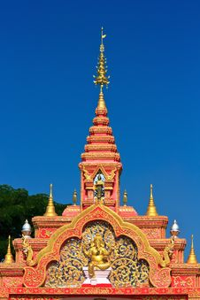 Free Thai Temple Gate. Royalty Free Stock Photography - 28723607