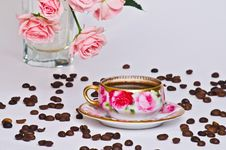 Free Cup Of Coffee And Rose Royalty Free Stock Image - 28724586