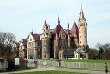 Free Palace In Moszna Poland Royalty Free Stock Image - 28725786