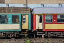 Free Old Train Waiting For Scrapping Stock Photos - 28727403