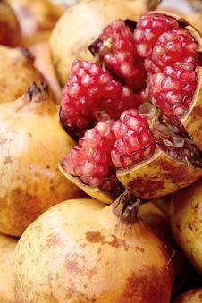 Free Pomegranate Stock Photos - 28728413