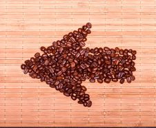 Free Arrow Of Coffee Beans On A Decorative Straw Stock Images - 28734474