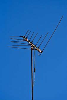 Free Antenna With Blue Sky Royalty Free Stock Photography - 28737847