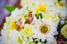 Free Wedding Rings In A Bucket Stock Photo - 28738030