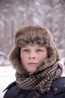 Free Winter Portrait Of A Teenager In The Forest Stock Photography - 28738822