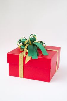 Free Red Gift Box Royalty Free Stock Image - 28747826