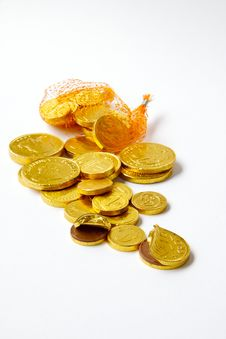 Free Gold Chocolate Coins Royalty Free Stock Photography - 28747907