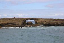 Free Natural Rock Bridge Hawaii Royalty Free Stock Image - 28752646