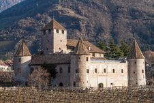 Free Castle Mareccio, Bolzano, Italy Royalty Free Stock Photography - 28753797