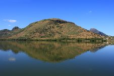 Free Mountain Reflecting In Fresh Water Lake, Mauritius Royalty Free Stock Photo - 28757015