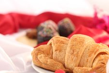 Free Danish Pastry For Christmas Breakfast Royalty Free Stock Photos - 28758078