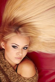 Free Beautiful Blonde Woman Royalty Free Stock Images - 28760799
