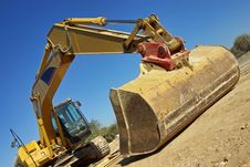 Free Excavator Royalty Free Stock Photo - 28772595