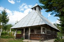 Free Traditional Wooden Orthodox Church In Romania Stock Image - 28790671