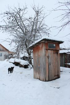 Free Rural Toilet And Dog In Winter Stock Image - 28795491