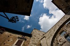 Free Perugia Sky And Architecture Royalty Free Stock Photography - 2882277