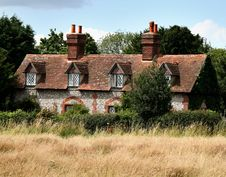 Free Brick And Flint House Royalty Free Stock Image - 2885206