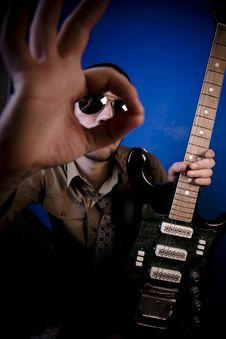 Free Guitarist OK Sign Royalty Free Stock Photos - 2887928