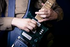 Free Hands On Guitar Royalty Free Stock Images - 2888029