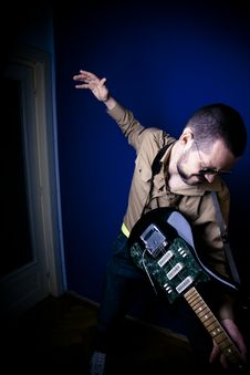Free Intense Rock Guitarist Stock Photos - 2888093