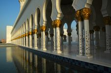 Free Sheikh Zayed Al Nayhan Mosque Royalty Free Stock Photos - 28800538