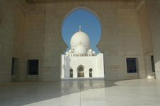 Free Sheikh Zayed Al Nayhan Mosque Royalty Free Stock Image - 28800666