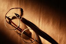 Free Pen And Spectacles Stock Photography - 28801032