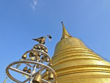 Free Ant S View Of Golden Pagoda Royalty Free Stock Photo - 28801645
