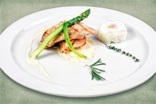 Free Dish Of The Restaurant Stock Photography - 28805442
