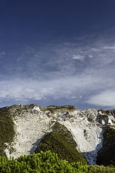 Free Carrara, White Marble Quarries Stock Photo - 28807050