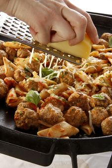 Free Meatballs And Penne Rigatte Stock Photography - 28814502