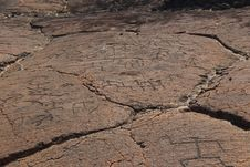 Free Hawaiian Petroglyph Carvings In Lava Stock Images - 28815594