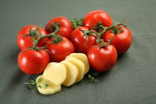 Free Tomato And Mozarella Royalty Free Stock Photography - 28815947