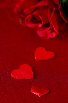 Free Different Sized Hearts And Red Roses On Red Background For Valen Stock Image - 28818351