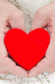 Free Red Heart In The Hands Of Men Closeup Royalty Free Stock Photo - 28818415