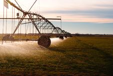 Free Irrigation Pivot Royalty Free Stock Images - 28818549