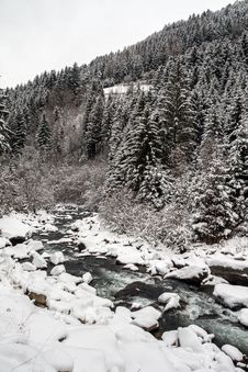 Free Mountain Winter Landscape Stock Image - 28822791