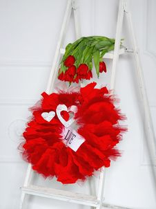 Free Love Garland And Red Flowers Royalty Free Stock Image - 28824076