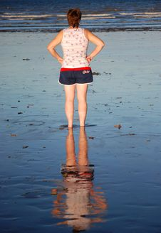 Free Woman S Reflection In Wet Sand On Australian Beach Stock Photography - 28825532