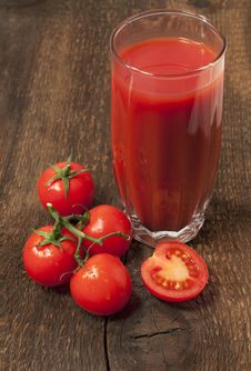 Free Glass Of Tomato Juice Royalty Free Stock Images - 28832149