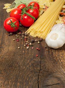 Free Ingredients For Pasta Stock Photo - 28832640
