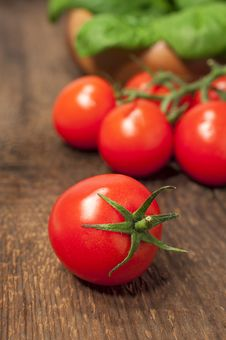 Free Cherry Tomatoes Royalty Free Stock Photography - 28843967
