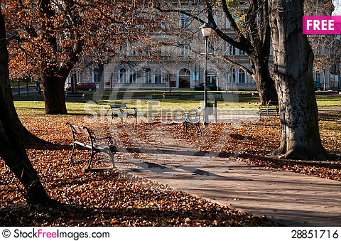 Free Park With Benches Royalty Free Stock Image - 28851716