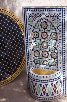 Free Home Fountain And Table Of Moroccan Mosaics Stock Image - 28863101