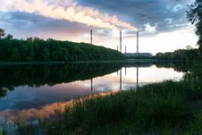 Free Smokestacks Stock Photography - 28870462