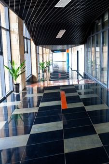 Free Indoor Corridor Royalty Free Stock Photography - 28877437