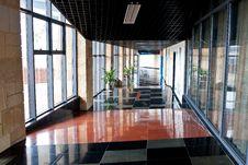 Free Indoor Corridor Royalty Free Stock Images - 28877629