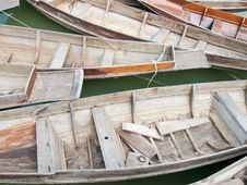 Free Thai Style Wood Boat Royalty Free Stock Photo - 28885595