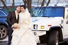 Free Happy Bride And Groom About Wedding Limousine Royalty Free Stock Photo - 28889765