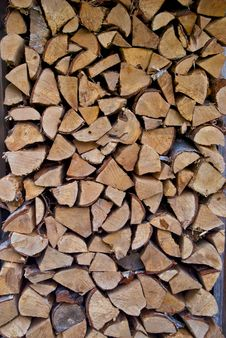 Free Chopped Wood Wall Royalty Free Stock Images - 28891319